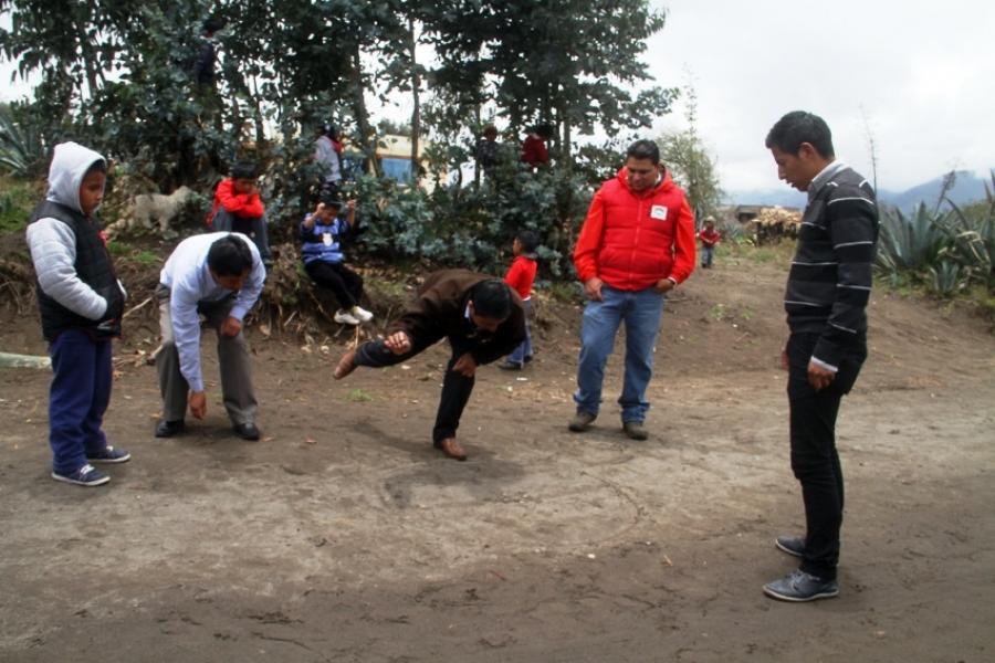 Ninos Y Adolescentes De Cochapamaba Y Pastocalle Volveran A Los